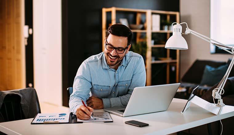 Trabajar desde casa: consejos para tus finanzas personales